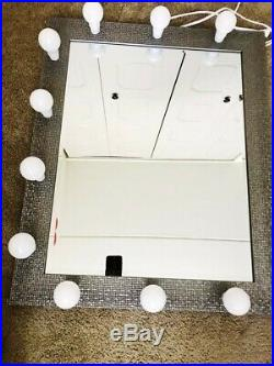Fabulous Hollywood makeup vanity mirror with lights(daylight LED bulbs included)