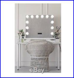 Hollywood Makeup Vanity 12 LED Lights Mirror With Bluetooth Speakers 32W x 27H